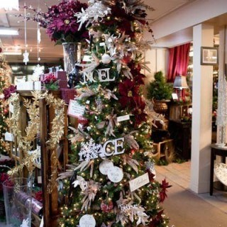 Over 30 Decorated Christmas Trees - great for holiday inspiration